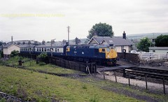 Kirkconnel 26026 19jun82 a888 (Ernies Railway Archive) Tags: kirkconnelstation gswr lms scotrail