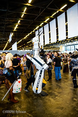 Japan Expo 2017 4e jrs-366 (Flashouilleur Fou) Tags: japan expo 2017 parc des expositions de parisnord villepinte cosplay cospleurs cosplayeuses cosplayers française français européen européenne deguisement costumes montage effet speciaux fx flashouilleurfou flashouilleur fou manga manhwa animes animations oav ova bd comics marvel dc image valiant disney warner bros 20th century fox star wars trek jedi sith empire premiere ordre overwath league legend moba princesse lord ring seigneurs anneaux saint seiya chevalier du zodiaque