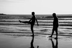 The Beachwalk (Bruyere42) Tags: schottland blackwhite beach scotland landschaft strand ocean wasser sommer sky islay ufer länder insel meer countries rannoch grosbritannien gb