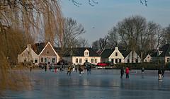 Schaatsen in Broek in Waterland (Roelie Wilms) Tags: broekinwaterland noordholland ijs schaatsen nederland