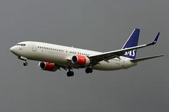 LN-RGA (FabioZ2) Tags: londra atterraggio sas boeing 73786nwl cn39397