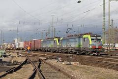 BLS 475 412 + 475 406 Basel Bad (daveymills37886) Tags: bls 475 412 406 basel bad baureihe cargo siemens vectron
