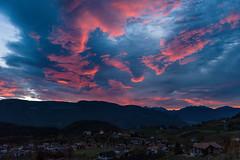 27.10.2017, 7:37 am (andreassimon) Tags: südtirol himmel sonnenaufgang italien wolken prissian