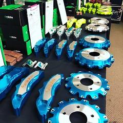 Bling candy #brakes #bbk #rolloface #candy #bigbrakekit #blue #stance #luxury (chnbmbpo63) Tags: brakes bbk rolloface candy bigbrakekit blue stance luxury