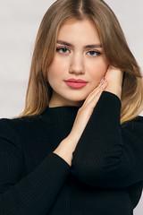 Eva (TheHelmsman) Tags: za zeiss carlzeiss a850 sonnart18135 sony model studio models girls portrait