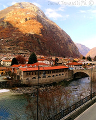 Hone Bard (imma_tomaselli) Tags: honebard montagne mountains natura panorama lanscape castello castle river fiume valledaosta cielo sky clouds