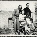 Archiv FaMUC266 Münchner Familie, Besuch, 1940er thumbnail