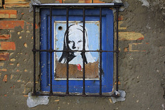 Cadix (hans pohl) Tags: espagne andalousie cadix fenêtres windows affiches murs walls