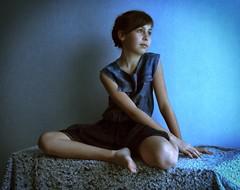 Portrait Clara (nicolaspetit7878) Tags: enfant elle she girl fille face visage photography boudoir sony personne people inside lumière light color bleu model portrait