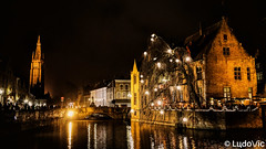 A night in Bruges (16) (Lцdо\/іс) Tags: brugge bruges brujas classic view belgique belgium belgie flamande flandre flanders flickr lцdоіс night nightcity lights lampes church citytrip city old town
