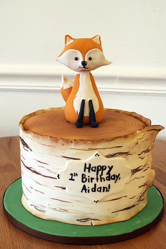 Birch Bark Tree Stump Fox Cake