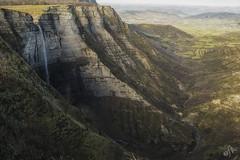 Salto del Nervión (Elsa Fdez) Tags: cascada saltodeagua cañon agua verde rocas