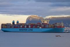 Moscow Maersk (jaocana76) Tags: algeciras gibraltar estrechodegibraltar straitsofgibraltar campodegibraltar strog maersk bahiadealgeciras portacontenedores barco remolcador barcodepesca contenedores containers port puerto containership canoneos7d canon100400 jaocana76 maerskline moscowmaersk