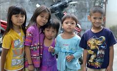 children (the foreign photographer - ฝรั่งถ่) Tags: nov282015nikon five children kids khlong lat phrao portraits bangkhen bangkok thailand nikon d3200