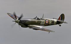 Spitfire (Bernie Condon) Tags: vickers supermarine spitfire warplane fighter raf royalairforce fightercommand ww2 battleofbritian military preserved vintage aircraft plane flying aviation mh434