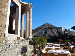 tra l'amabile e l'orribile (terevinci) Tags: tempio ristorante edifici life tivoli sibilla