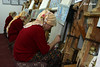 Tejiendo alfombras (Eva Cocca) Tags: alfombras turquía hiladoras turkey carpet tejedoras trabajadoras mujeres worker people gente viajes travel