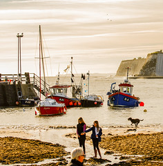 Beach activity (philbarnes4) Tags: broadstairs thanet kent england philbarnes dslr sea nikond80 fishingboats sand vikingbay
