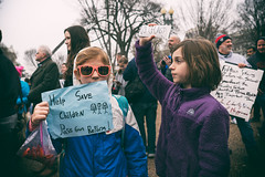 Help Save Children, Pass Gun Reform, student lie-in at the White House to protest gun laws (Lorie Shaull) Tags: gunlaws gunreform nra protest protestsign washingtondc teensforgunreform whitehouse