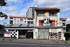 Zut (HBA_JIJO) Tags: streetart urban graffiti vitry vitrysurseine art france hbajijo wall mur painting peinture paris94 spray bebar bombing bebarbarie zut rue street batiment maison