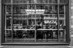 Kreuzberg Marheineke Halle (Berlin-Knipser) Tags: berlin blackandwhite bw blackwhite artinbw schwarzweis schwarzweiss sw sonya7ii canonfd deutschland germany kreuzberg architektur