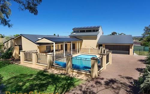 51 Balmoral Crescent, Lake Albert NSW