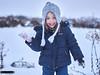 Enjoying the snow!!! (rafagomezz) Tags: snow smile little girl cutebabygirl ball cap nieve niña sonrisa bola frio copos abrigo gorro tierno infancia