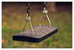 ça balance (marc.lacampagne) Tags: closeup dof canon tamron 28 balançoire enfant jeux jardin