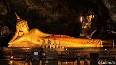Wat Suwan Kuha (Cave Temple) (Lцdо\/іс) Tags: takua thung district wat suwan kuha temple thailand thailande travel thailandia voyage phuket krabi lцdоіс bouddha buddhisme buddha boudhisme statue lights cave historic visit tourisme touriste