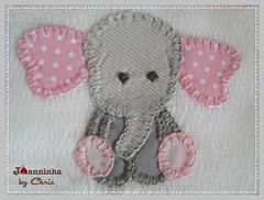 pano de boca elefantinho (Joanninha by Chris) Tags: enxoval feitoamão handmade bordado artesanato aplicaçãodetecidos patchwork embroidery panosdeboca enxovalbebe enxovalmenina elefante