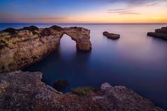 Albandeira (Fernando Guerra Velasco) Tags: albandeira algarve sunset atardecer atlántico largaexposición longexposure arconatural soudade