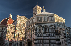 Battistero di San Giovanni Battista e Cattedrale di Santa Maria del Fiore - Firenze (Italy) (Andrea Moscato) Tags: andreamoscato italia toscana tuscany cielo city città cityscape church chiesa cathedral catholic cattedrale cattolico duomo architecture architettura ancient art arte architectural artist buildings edificio marble campanile cupola sun sunset light shadow ombre luce day blue orange centre downtown complex history historic view vivid