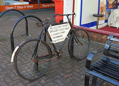 Advertising Bicycle, Fore Streetr, Trowbridge Wiltshire 16 February 2018 (Cold War Warrior) Tags: rust bicycle bsa advertising trowbridge wiltshire