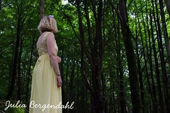 #sister #yellow #countryside (julia_bergendahl1) Tags: sister yellow countryside