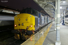 37425 at Norwich after working 2J83 1548 Lowestoft 4/1/2018 (Paul-Green) Tags: class 37 374 37425 37419 aga abellio greater anglia passenger service norwich train railway station 2018 flickr canon camera b bulb setting night shot photography outsdoors cold wet winter evening uk gb railways stock platforms times exposure january concrete bob english electric type 3 diesel engine loco