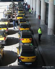 Parada de taxi (Landahlauts) Tags: aena aeropuertodebarcelona aeropuertodebarcelonaelprat aeropuertodelprat baixllobregat barcelona bcn canoneos1200d cataluña catalunya elpratdellobregat generalitatdecatalunya lebl sanboidellobregat t1 t1s t2 viladecans