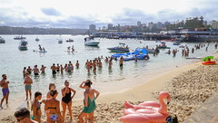 Australia Day 2018 - Manly Cove (3) (geemuses) Tags: australiaday2018 invasionday manly nsw newsouthwales australia party celebrations water people candid street sea ocean sydneyharbour girls women men bikini swimsuit po passengership cruiseliner landscape scenic scenery light beautifullight color colour colours manlycove