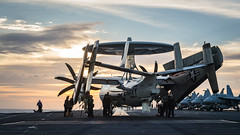 "The ""Black Eagles"" perform post-flight checks on an E-2C Hawkeye aboard the USS Carl Vinson (#PACOM) Tags: ""uspacificcommand pacom"" carrierairborneearlywarningsquadronvaw113 southchinasea"