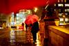 Parapluie rouge sur le Pont Neuf (Calinore) Tags: france paris city nuit night rain pluie umbrella parapluie red rouge pontneuf bridge pont street rue woman femme