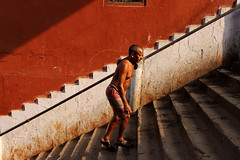 morning light | Kolkata (arnabchat) Tags: india westbengal bangal bangla kolkata calcutta canon 6dmkii man geometry morning stairs light sunlight steps red paan gutkha paint wall