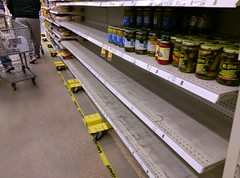 Shelving on jacks - sure sign(s) of a remodel (3) (l_dawg2000) Tags: 2018remodel cordova delicatesen grocery grocerystore healthbeauty kroger labelscar marketplace meats memphis pharmacy produce remodel retail scriptdécor shelbycounty supermarket tennessee tn trinitycommons cordovamemphis unitedstates usa