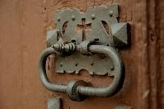 Detall porta (Jordi Sureda) Tags: detalle door porta jordisureda nikon hierro nikond90 simple detail photography pointofview oxido madera macro oxidado rovell macrofotografía