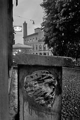 homo sine... (Luca Zanta) Tags: homo sine pecunia testa sguardo mano euro teschio cranio immagine crisi morte grafica 3d look money hand head skull graphics death image bologna paste up