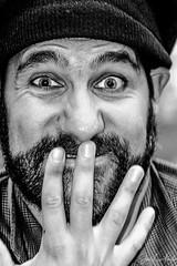 UUYYY!!!! SORRY (B/N - B&W) (jlfarelo) Tags: 2012 azoka boca callejero deportesyespectaculos genteysocial humor leioa mano retratos umore