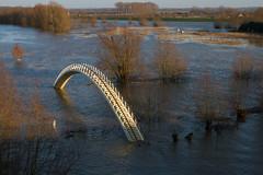 """River Waal at Nijmegen (Thea Teijgeler) Tags: """"pedistrianbridge"""" hoogwater flooding dewaal nijmegen wateroverlast landschap rivier rivierdewaal bridge brug voetgangersbrugooypoort"""