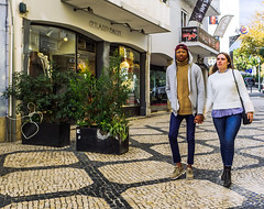 Boa Mistura II (11/365) (Walimai.photo) Tags: color colour cascais portugal lumix lx5 panasonic street calle callejera couple pareja candid robado portrait retrato