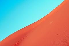 S/Título (Karina Claramunt) Tags: sahara desierto morocco sand dreams line