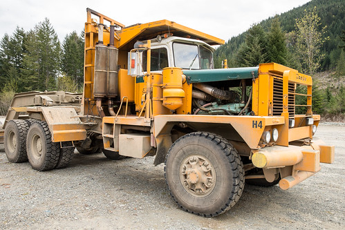 Brand new Pacific H65 log truck Photo First load of log,s.