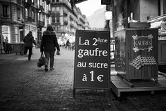 The streets of Grenoble #48 (richardtostain) Tags: street rue noir black nb bw sony a7ii pentax fa limited 43mm f19 gaufre food shop