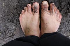 IMG_1232 (bfe2012) Tags: barefoot barefeet barefooting barefooted barefooter barefoothiking barefootlifestyle feet dirtyfeet toughsoles